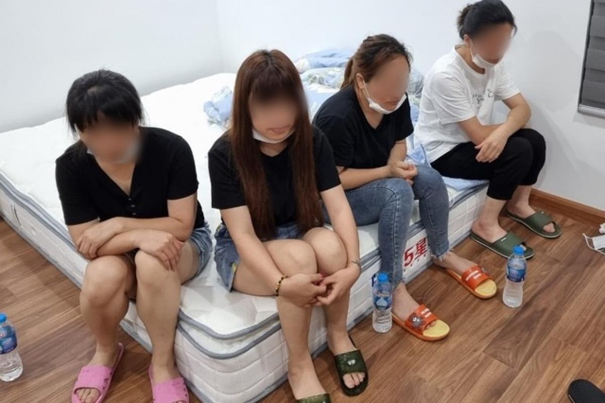 Nhóm người nhập cảnh trái phép tại Hà Nội
