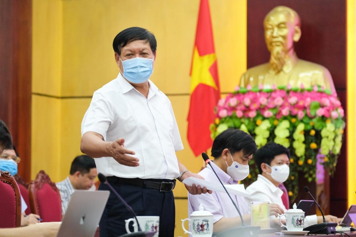 Thứ trưởng Bộ Y tế Đỗ Xuân Tuyên trong buổi làm việc với Bắc Ninh.