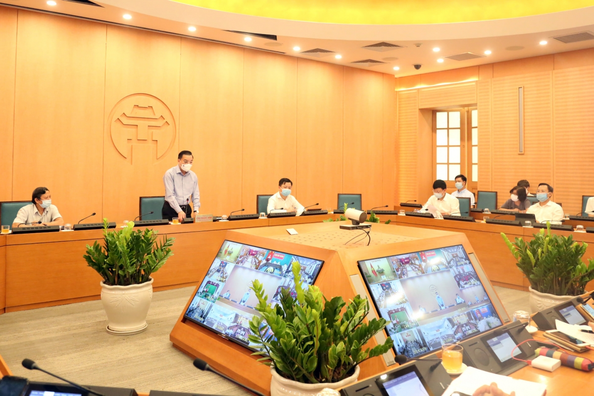 Chủ tịch UBND Thành phố Hà Nội Chu Ngọc Anh phát biểu tại phiên họp trực tuyến.