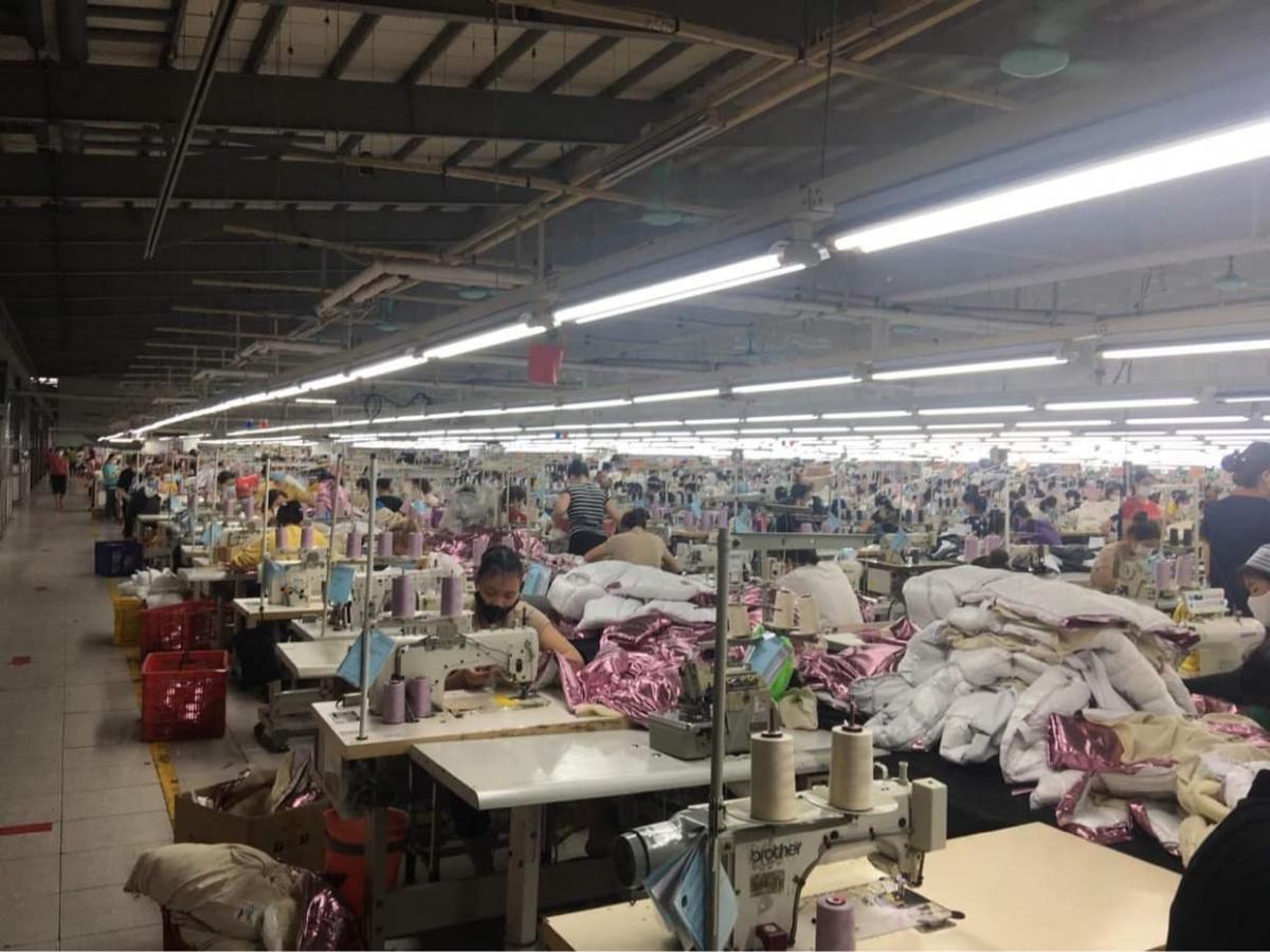Mỗi xưởng may cả nghìn công nhân, cần có biện pháp giãn cách, phân nhóm.