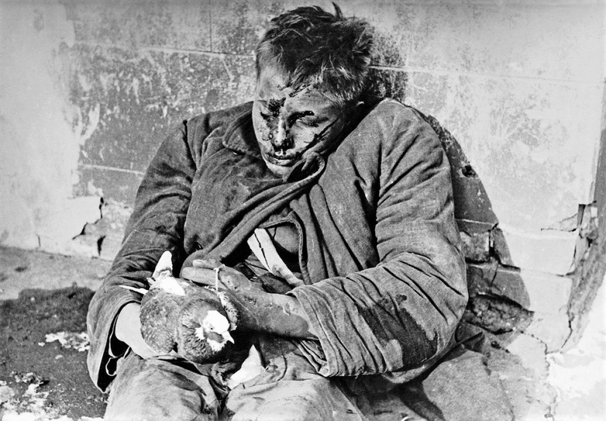 Nạn nhân bị quân Đức bắn ở Rostov trên sông Don bị chiếm đóng.