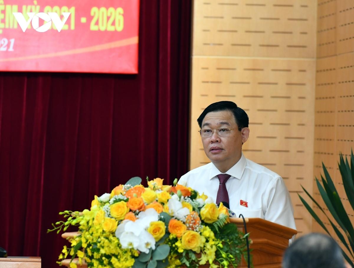 Chủ tịch Quốc hội Vương Đình Huệ phát biểu tại Hội nghị.