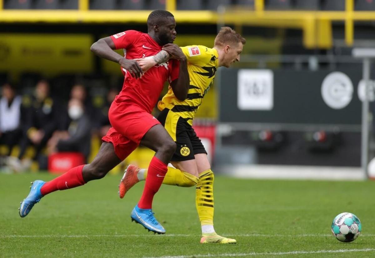 Trung vệ Dayot Upamecano sẽ chuyển từ RB Leipzig sang Bayern Munich với mức giá 42,5 triệu Euro.