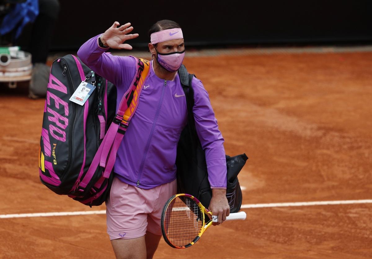 Sau các giải đấu để cho những tay vợt trẻ lên ngôi vô địch (Tsitsipas - Monte Carlo, Zverev - Madrid), cả Nadal lẫn Djokovic đều quyết tâm đăng quang ở Rome Masters. Nadal giành quyền vào chung kết sau trận thắng dễReilly Opelka.
