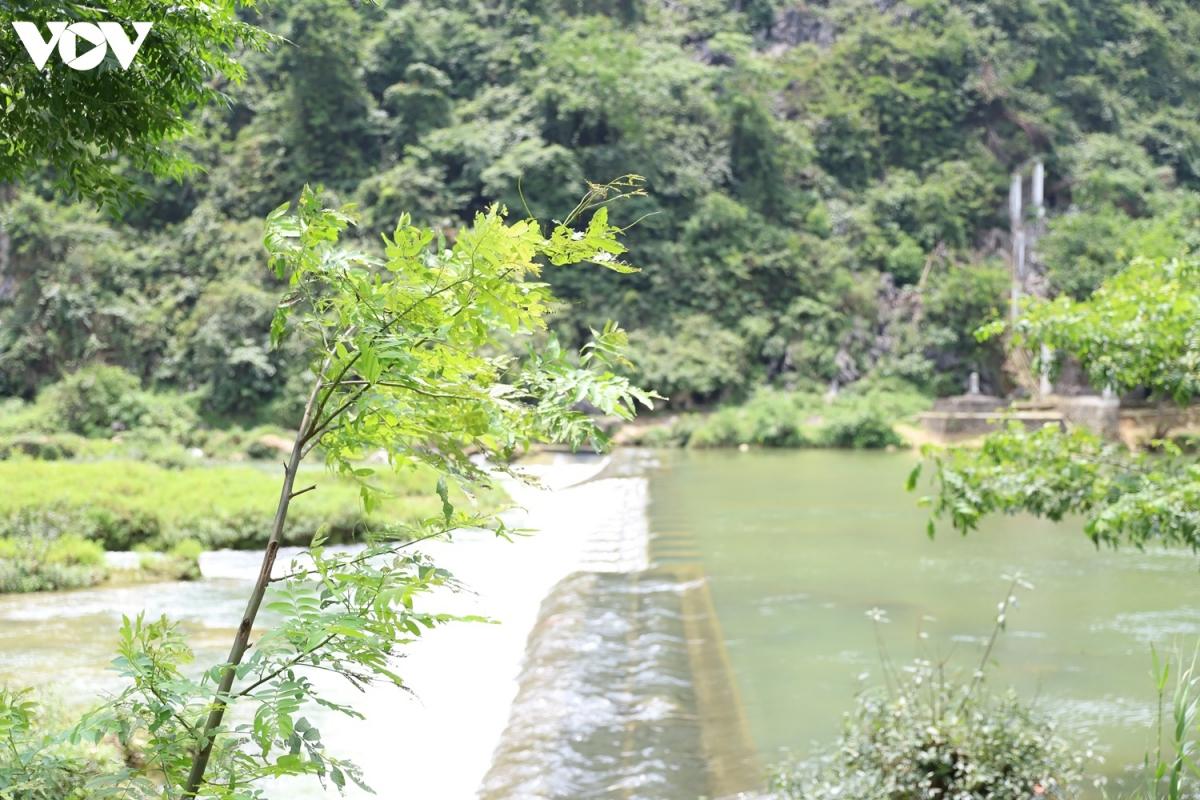 Nơi thượng nguồn sông Quây Sơn, xóm Pò Peo, xã Ngọc Côn, huyện Trùng Khánh, tỉnh Cao Bằng là nơi nguồn nước chảy về thác Bản Giốc, xã Đàm Thủy.