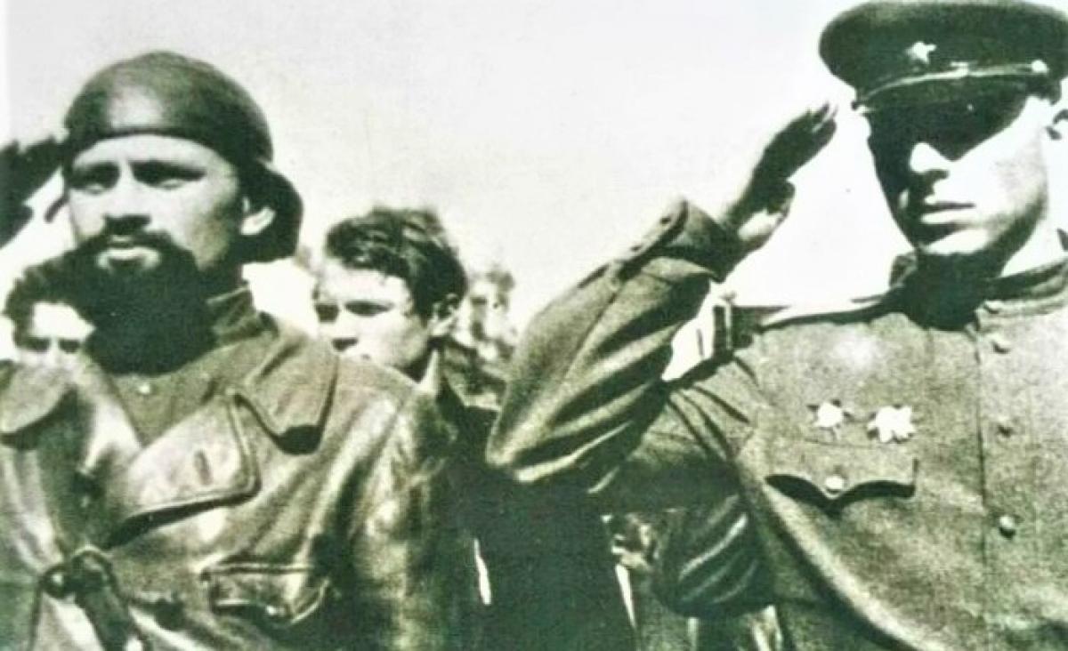 """""""Hắc Tướng quân"""" là Lữ đoàn trưởng khi mới 23 tuổi; Nguồn: kulturologia.ru"""