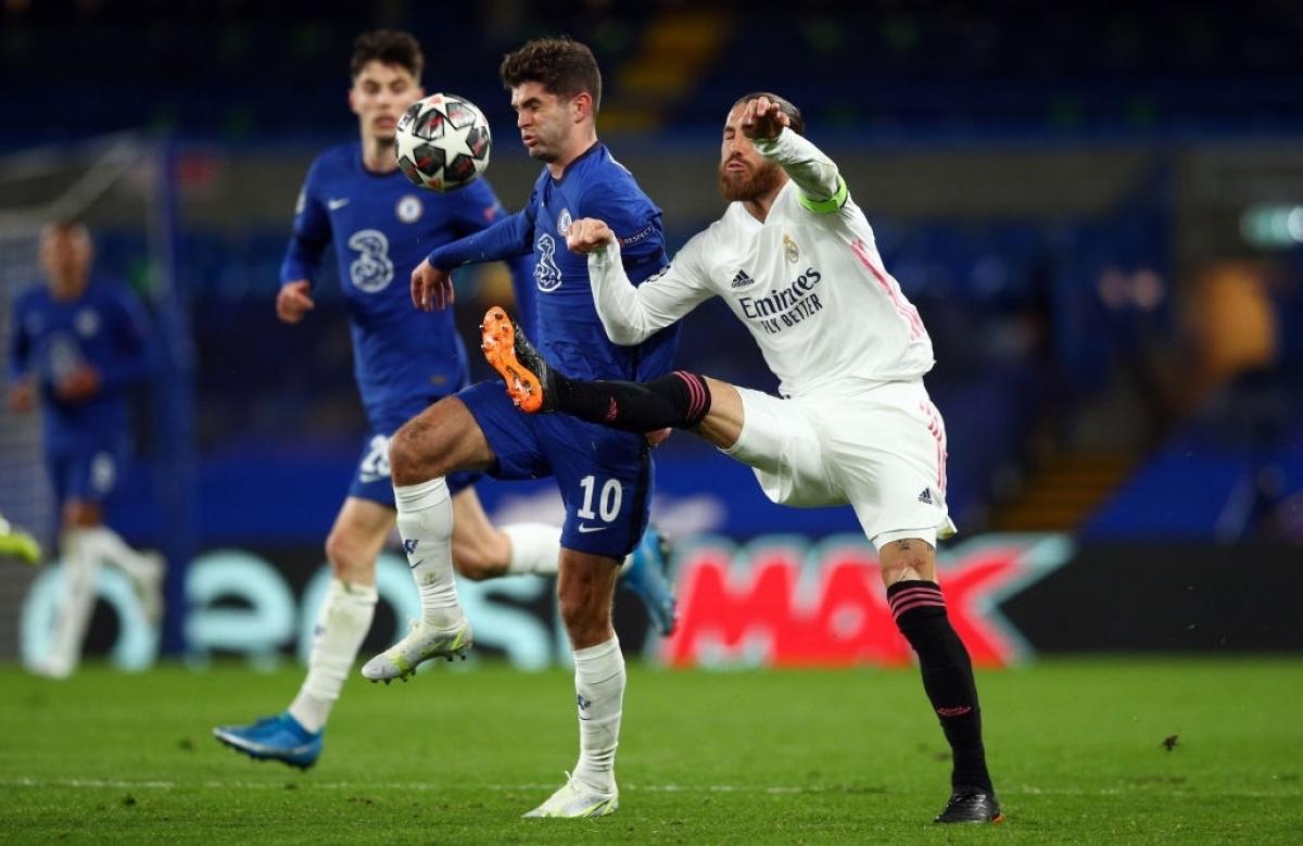 Ramos hụt hơi khi đối đầu với những cầu thủ trẻ (Ảnh: Getty).