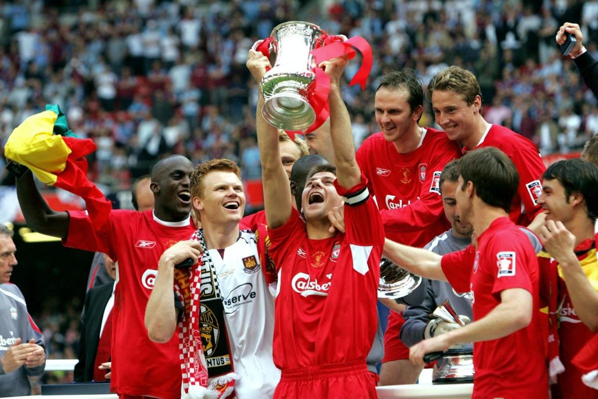 Ngày này 15 năm trước, Liverpool giành danh hiệu vô địch FA Cup sau trận chung kết kinh điển với West Ham. (Ảnh: Getty).