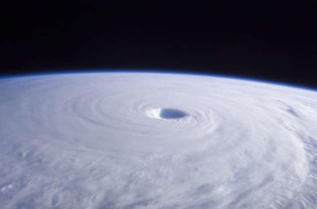 Hình ảnh ấn tượng của cơn bão Nabi được một thành viên của Trạm Vũ trụ Quốc tế ghi lại năm 2005.