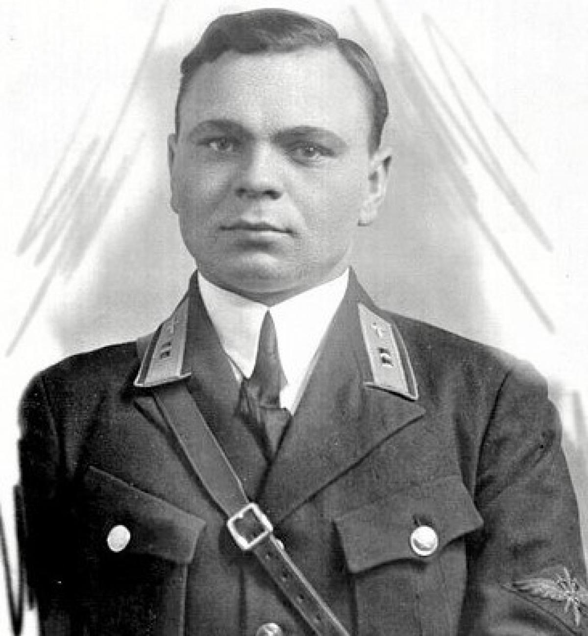 Anh hùng Liên Xô Alexey Storozhakov - phi công đã bắt phi công Đức làm tù binh; Nguồn: soviet-aces-1936-53.ru