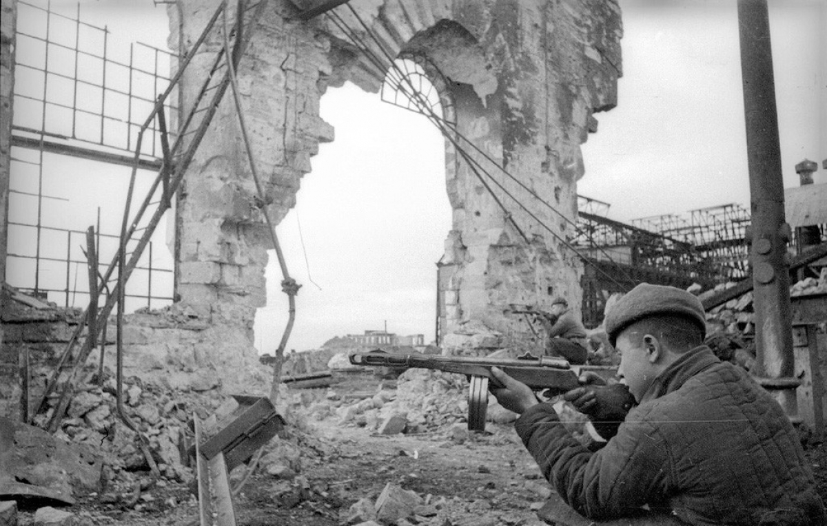 Giải phóng Kerch, Crimea, năm 1944.