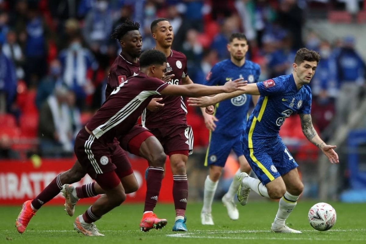 Tuy nhiên, HLV Brendan Rodgers đã bày binh bố trận hết sức hợp lý, chỉ đạo các học trò chơi phòng ngự số đông.