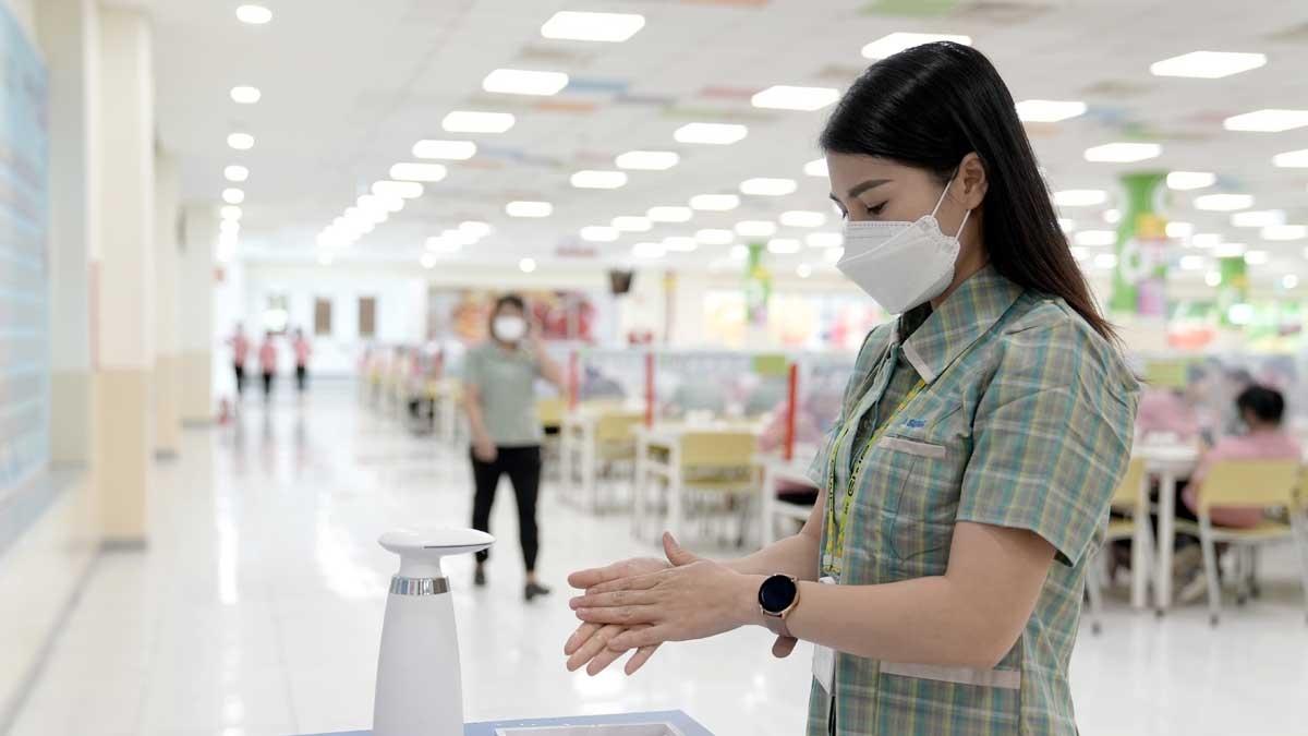 Theo Samsung Việt Nam, doanh nghiệp đã tập trung triển khai các biện pháp phòng dịch mạnh mẽ hơn như tạm dừng các hoạt động tập trung đông người, thực hiện khai báo y tế hàng ngày cho toàn bộ nhân viên.