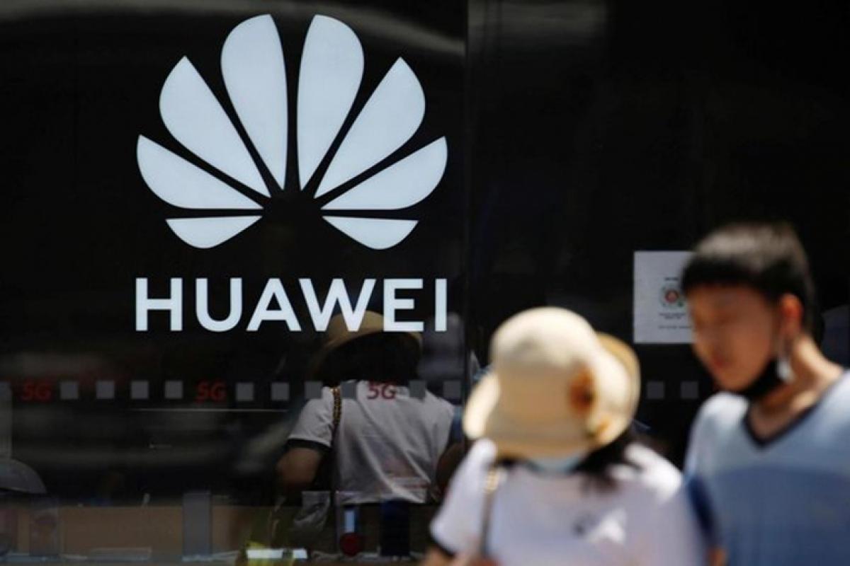 Huawei xem phần mềm và dịch vụ là hướng đi mà họ có thể tránh bị kiểm soát bởi Mỹ.