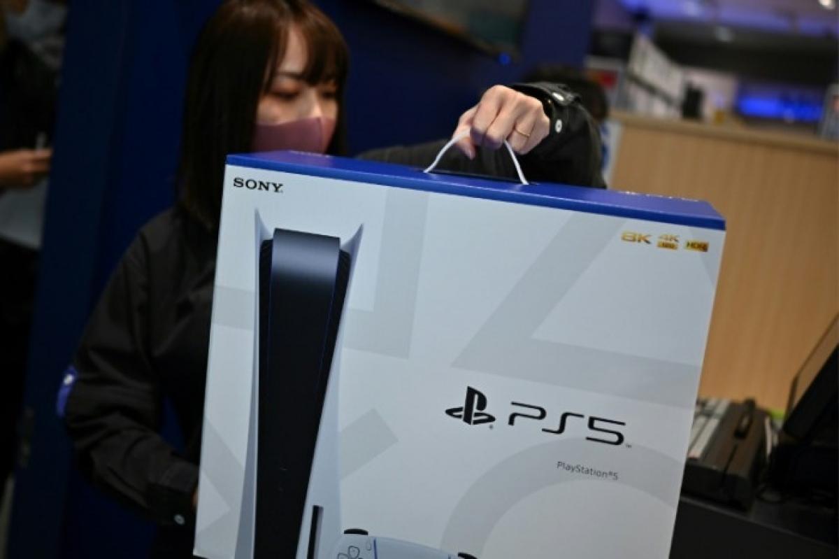 Ít nhất ba trò chơi kỹ thuật số phổ biến trên PS5 được cho là có giá cao hơn so với đĩa. (Ảnh: AFP)