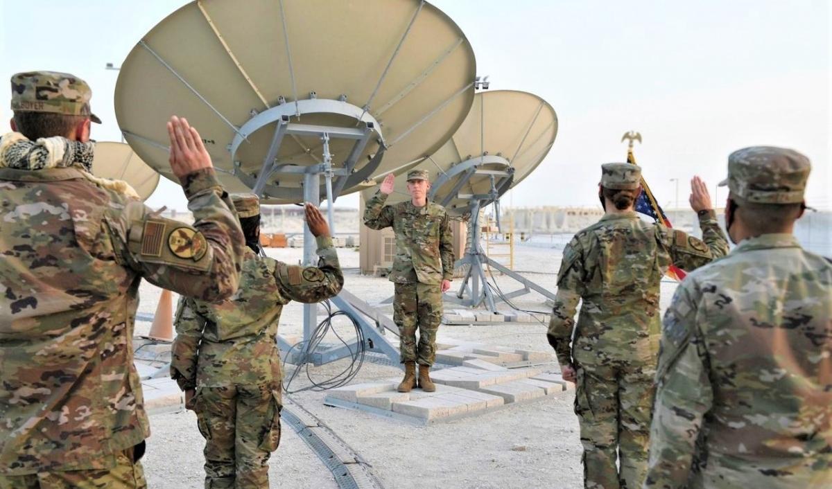 Trong khi tất cả các lực lượng khác bị cắt giảm quân số, lực lượng Không gian Mỹ được tăng biên chế; Nguồn: baynews9.com