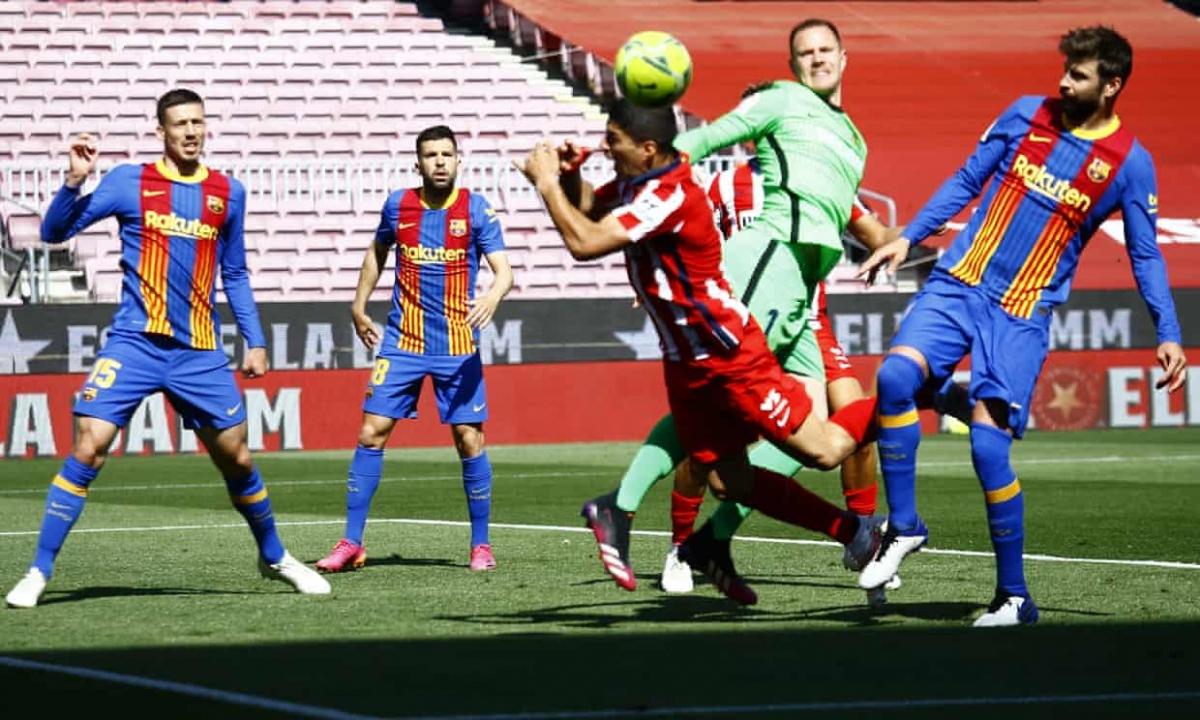 Atletico Madrid tạo ra hàng loạt cơ hội trong hiệp 1 nhưng thủ môn Ter Stegen liên tiếp cứu thua xuất thần. (Ảnh: Getty)