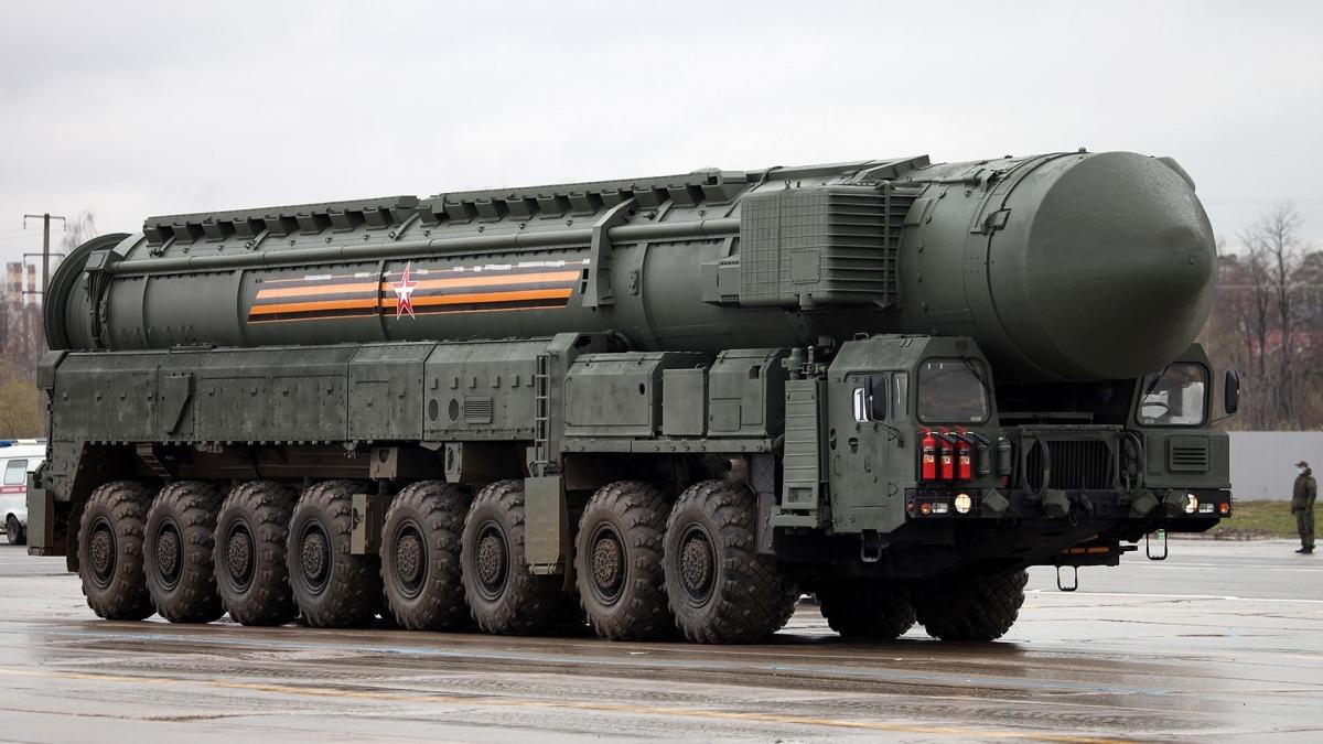 Khán giả cũng sẽ được chiêm ngưỡng các hệ thống phòng thủ tên lửa đạn đạo liên lục địa uy lực nhất của Nga như Yars, hệ thống phòng không S-400, hệ thống Iskander-M và TOS-1. Nhiều người kỳ vọng hệ thống S-500 'Prometheus' sẽ xuất hiện tại lễ duyệt binh năm nay.