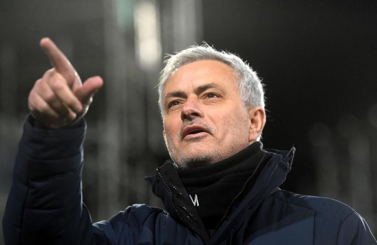 Jose Mourinho sẽ dẫn dắt AS Roma theo bản hợp đồng 3 năm, thay thế HLV Paulo Fonseca sắp sửa ra đi vào cuối mùa giải này.