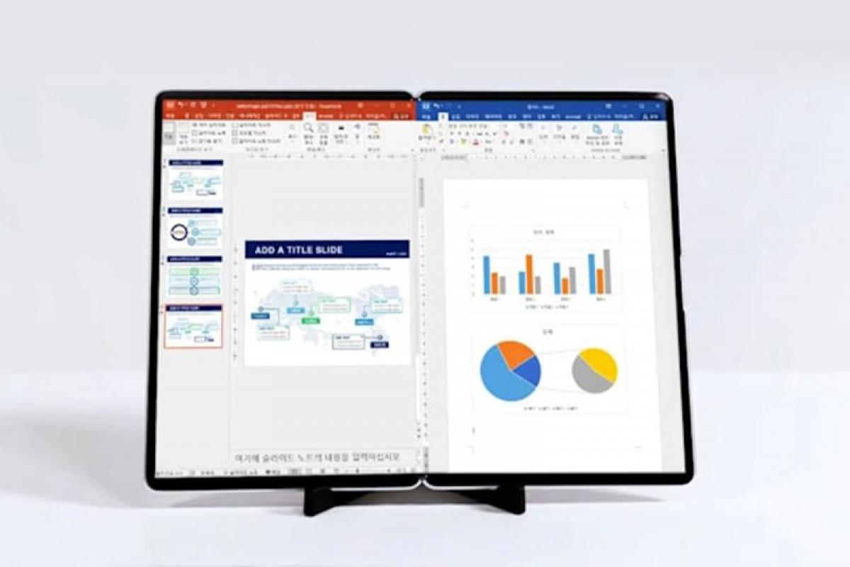 Nguyên mẫu màn hình gập lại 17 inch của Samsung.