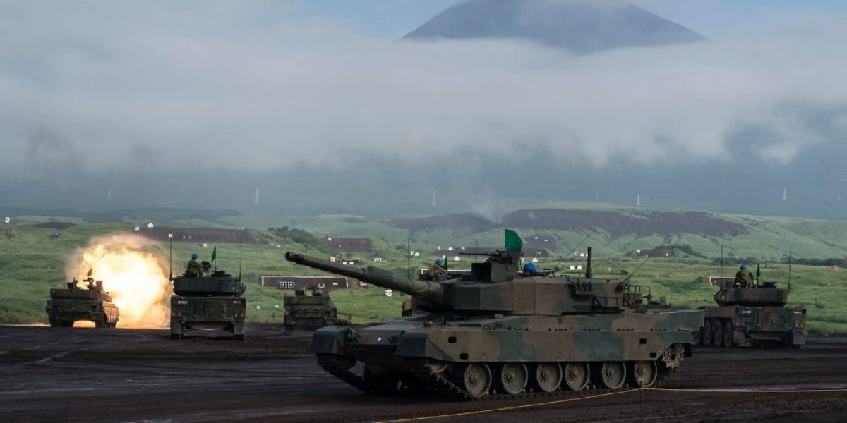 Xe tăng của Nhật Bản tham gia một cuộc tập trận ở núi Phú Sỹ. Ảnh: Getty.