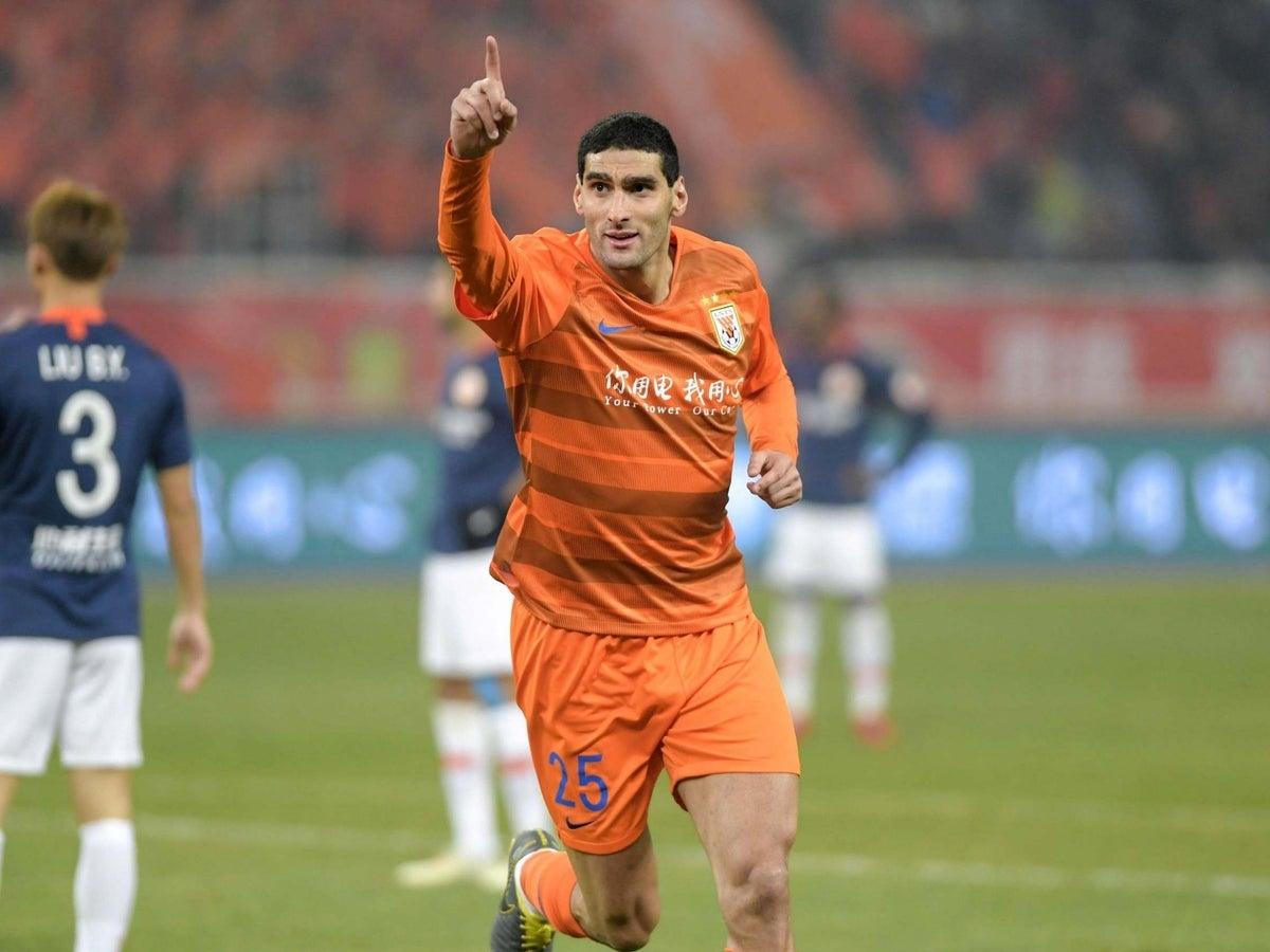 Tiền vệ trung tâm: Marouane Fellaini
