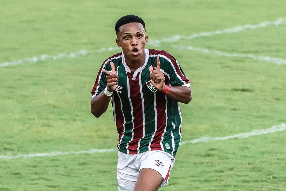 Man City đã đạt thỏa thuận chiêu mộ Kayky từ Fluminense với mức giá 10 triệu Euro, nhưng tiền đạo 17 tuổi sẽ chờ tới kỳ chuyển nhượng mùa đông mới cập bến sân Etihad.