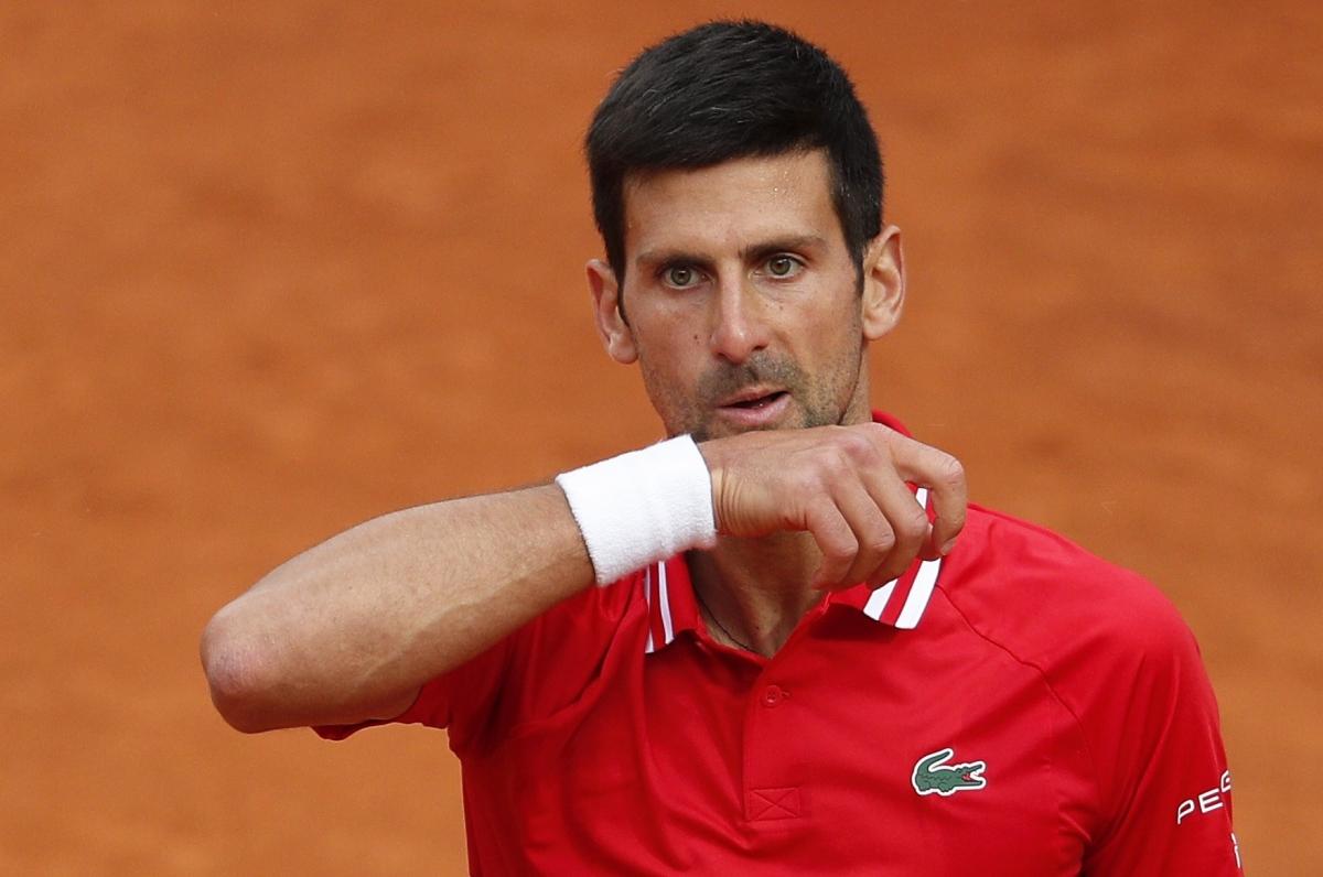 Sang set 2, Djokovic tập trung trong từng đường bóng ngay từ đầu.Tay vợt số 1 thế giới giành đến 2 break để thắng cách biệt 6-1.