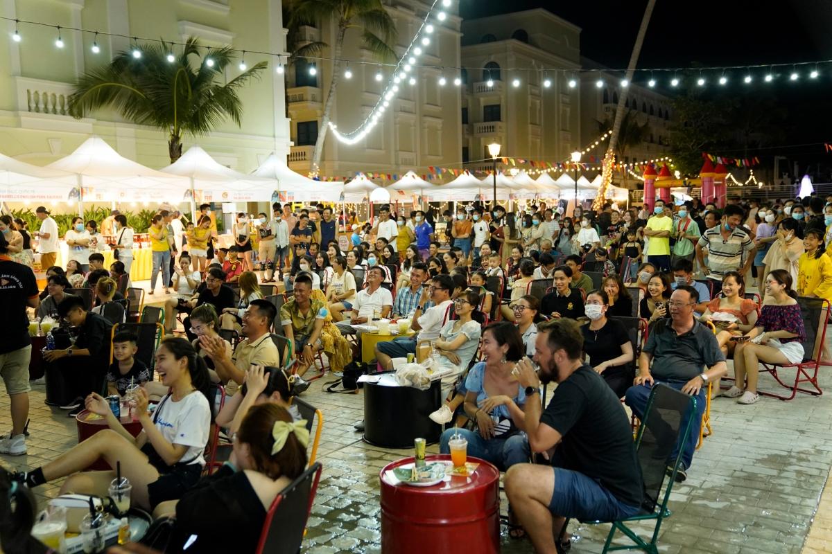 Không khí nhộn nhịp trong một phiên Marina Beach Fest 01, diễn ra dịp 30/4 – 2/5 vừa qua.