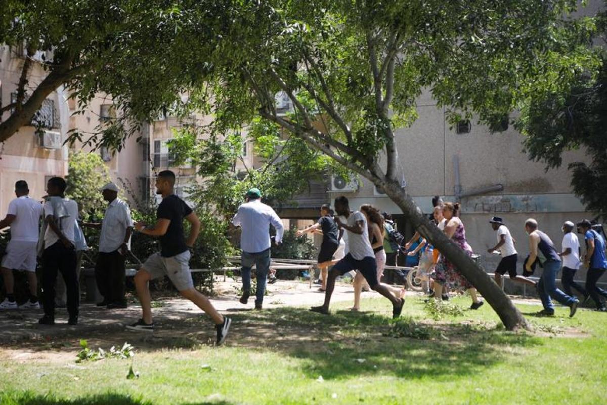 """Quang cảnh """"chạy rocket"""" tương tự ở thành phố Ashkelon (Israel). Ảnh: Reuters."""