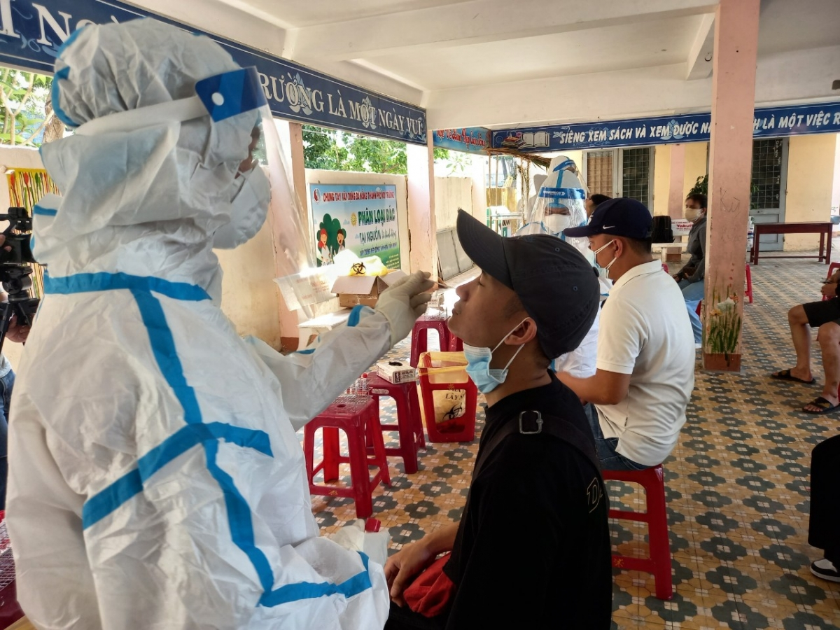 Phong tỏa hẹp, xét nghiệm rộng là cách làm hữu hiệu tại Đà Nẵng