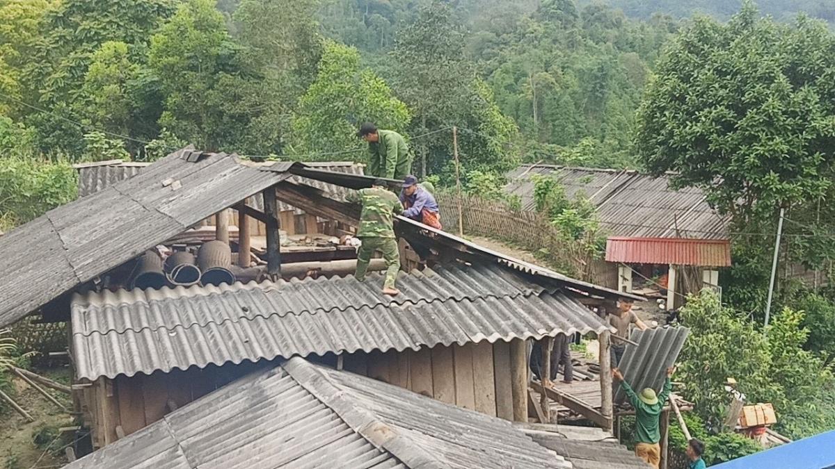 Các địa phương khẩn trương khắc phục sự cố do mưa lốc