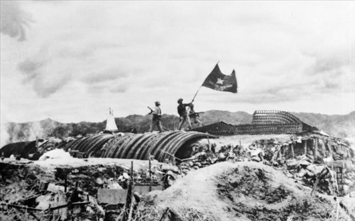 Chiến thắng Điện Biên Phủ năm 1954. (Ảnh tư liệu)
