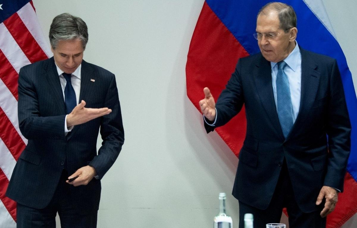 Ngoại trưởng Mỹ Antony Blinken và Ngoại trưởng Nga Sergei Lavrov. Ảnh: Reuters