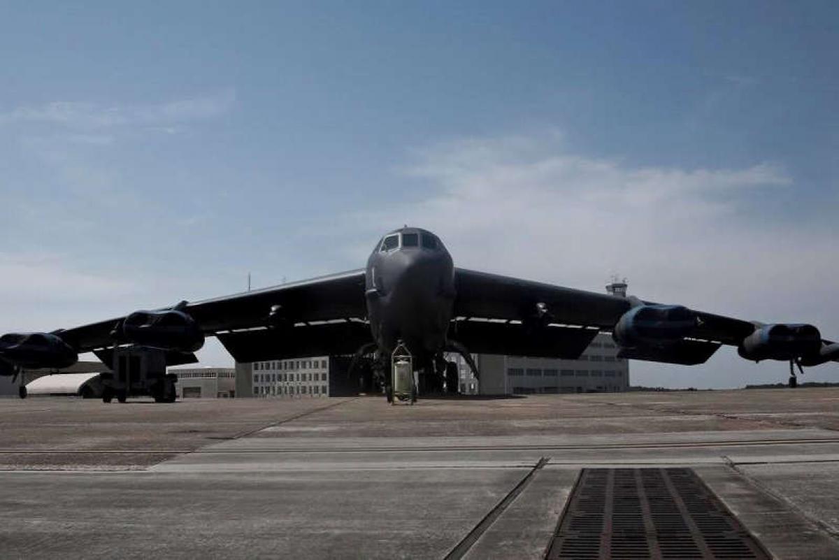 Máy bay B-52 tiến hành thử nghiệm tên lửa siêu thanh. Ảnh: Không quân Mỹ