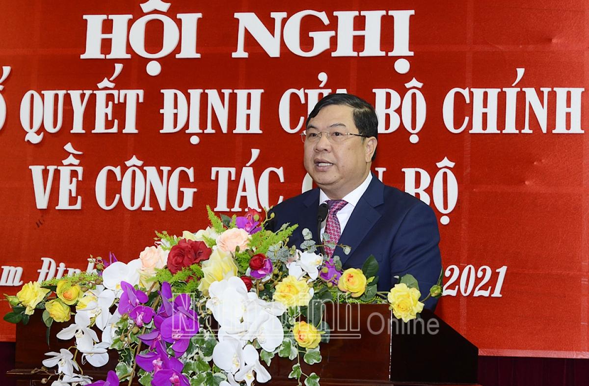 Ông Phạm Gia Túc phát biểu nhận nhiệm vụ. Ảnh: Báo Nam Định.