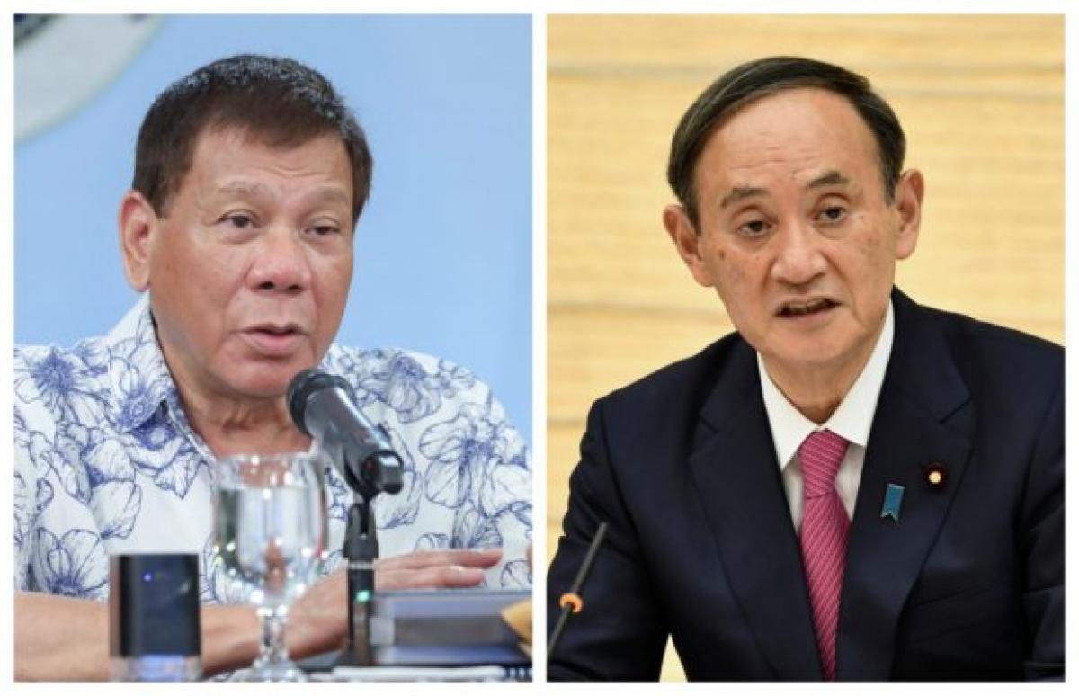 Tổng thống Philippines Rodrigo Duterte (trái) và Thủ tướng Nhật Bản Suga Yoshihide. Ảnh: Inquirer