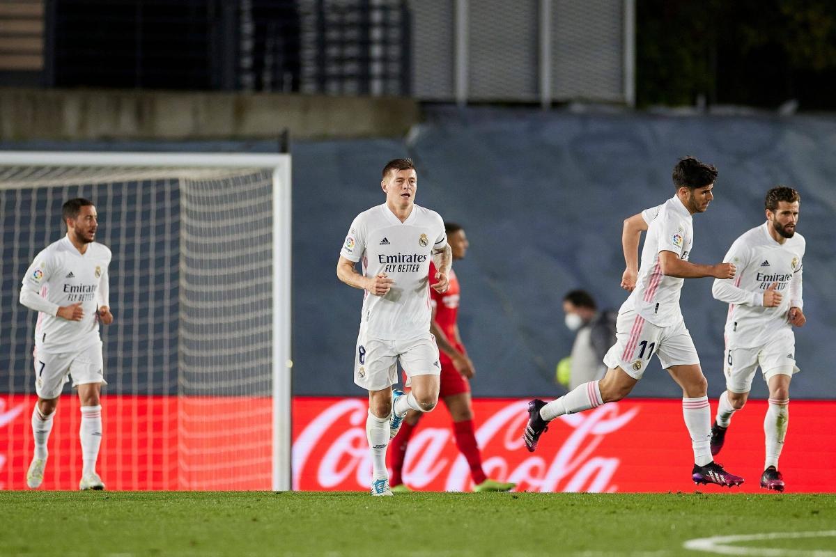 Real chỉ có được trận hòa 2-2 với Sevilla. (Ảnh: Getty).