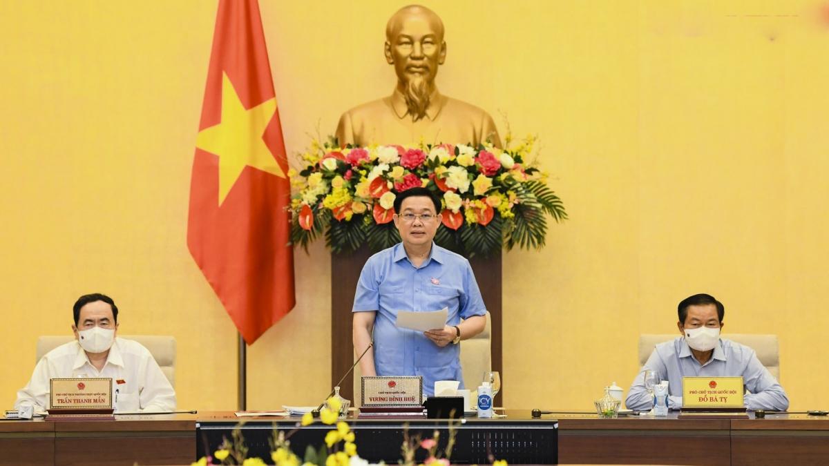Chủ tịch Quốc hội Vương Đình Huệ phát biểu kết luận Phiên họp 56 của Ủy ban Thường vụ Quốc hội, ngày 27/5