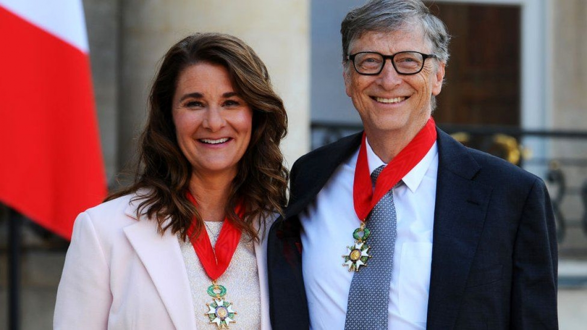 Cặp đôi đã được Tổng thống Pháp François Hollande trao tặng danh hiệu Légion d'Honneur, danh hiệu cao quý nhất của Pháp, vào năm 2017 vì những nỗ lực làm từ thiện của họ.