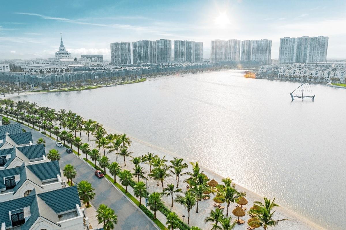 Sự dịch chuyển từ mô hình đô thị đơn tâm sang đa trung tâm tại Hà Nội tăng tốc mạnh trong khoảng 5-10 năm trở lại đây với sự xuất hiện của những đại đô thị tầm cỡ.