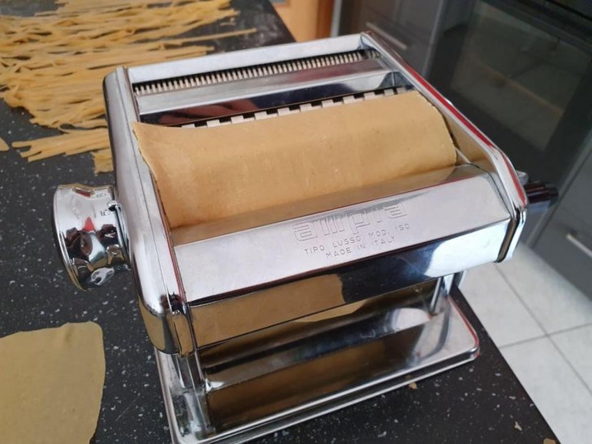 Ý-đất nước của món mỳ ống rất phổ biến những chiếc máy làm mỳ kiểu này. Thậm chí, chiếc máy này còn được nâng niu và trân trọng như một món quà thừa kế từ thế hệ này sang thế hệ khác./.