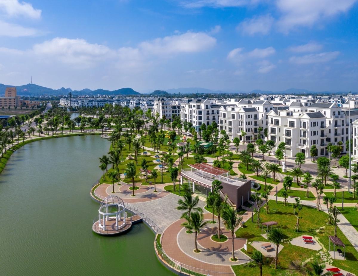 Dòng biệt thự cao cấp như Vinhomes Star City thu hút khách mua đầu tư và khách mua ở.