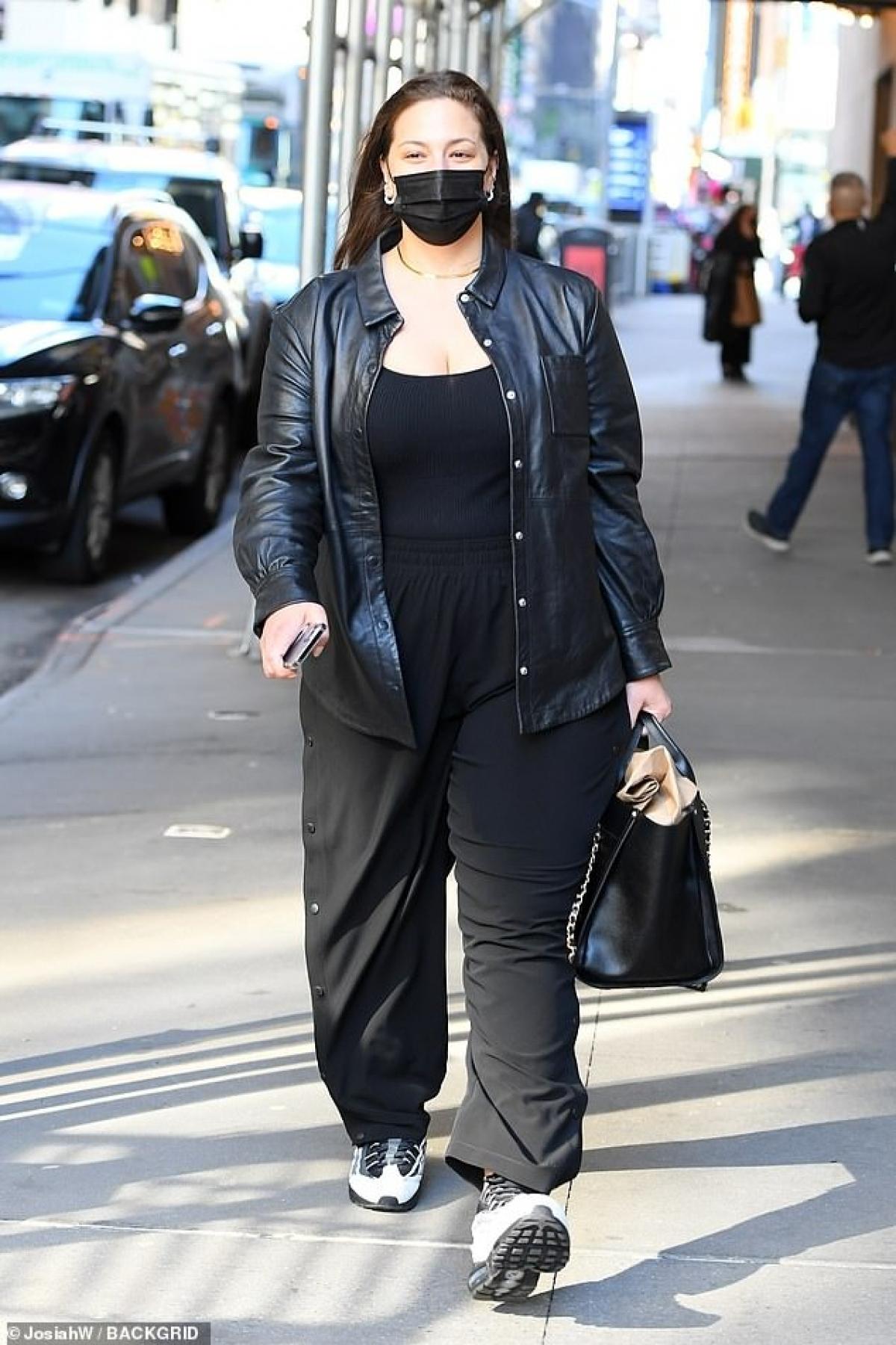 Ashley Graham là biểu tượng mới của làng mẫu khi không sở hữu thân hình mảnh mai nhưng vẫn nổi tiếng.