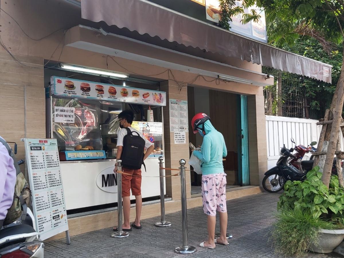 Người dân Đà Nẵng chủ động phòng chống dịch Covid-19