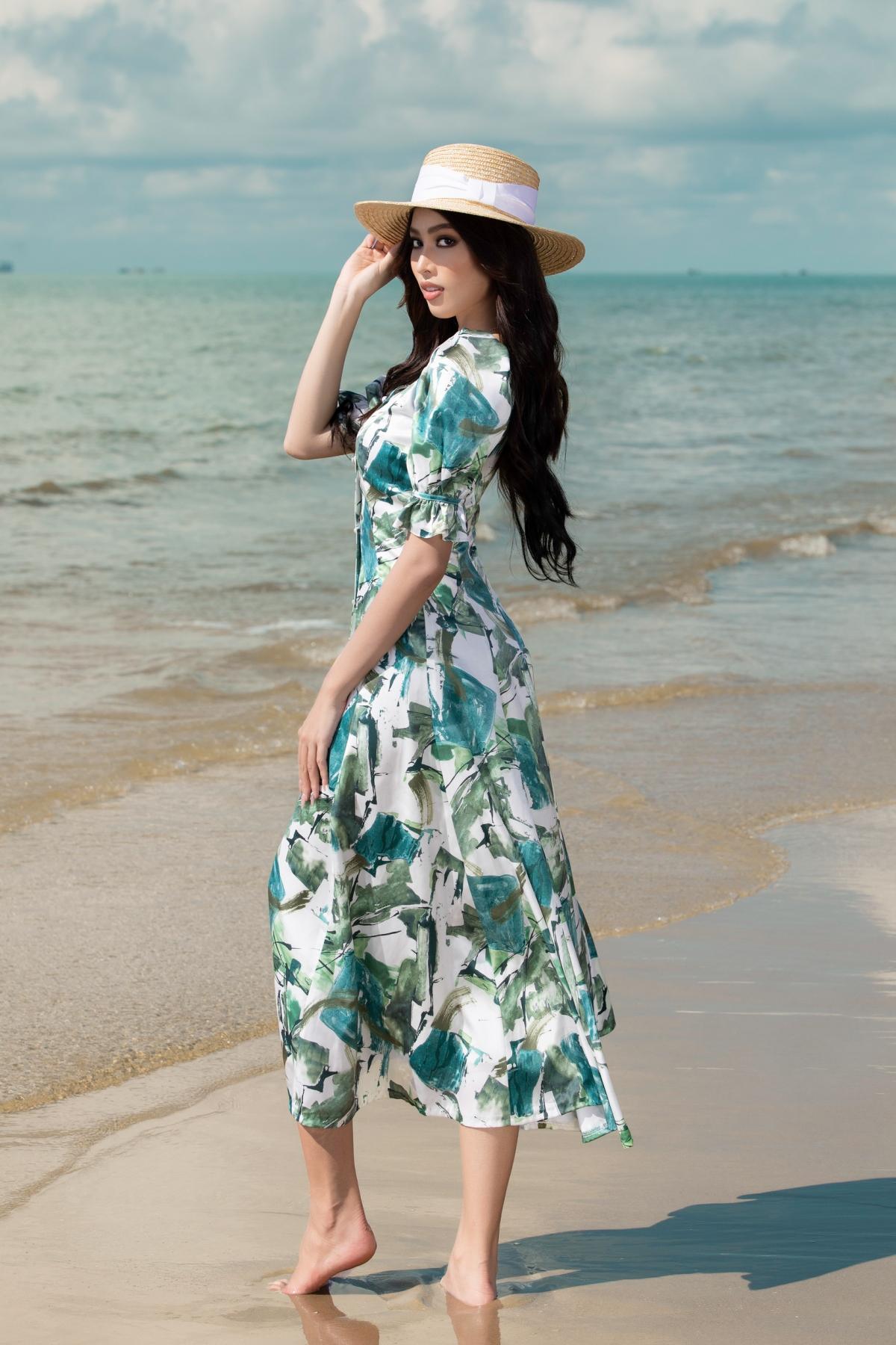 """Sau sự thành công khi """"đem chuông đi đánh xứ người"""" tại cuộc thi Miss Grand International 2020 tại Thái Lan, Á hậu 2 Hoa hậu Việt Nam chiếm trọn tình cảm của fan hâm mộ vì phong thái tự tin và rạng rỡ của cô nàng."""