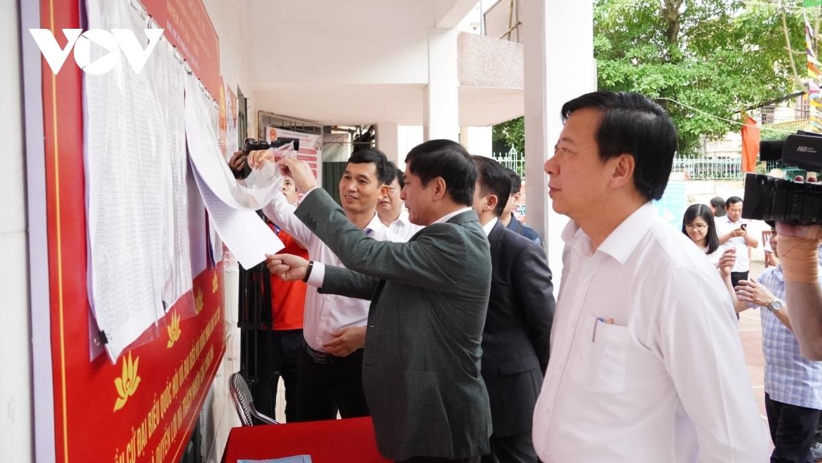Phó Chủ tịch Quốc hội Nguyễn Khắc Định đánh giá cao việc triển khai công tác bầu cử của tỉnh Hải Dương.
