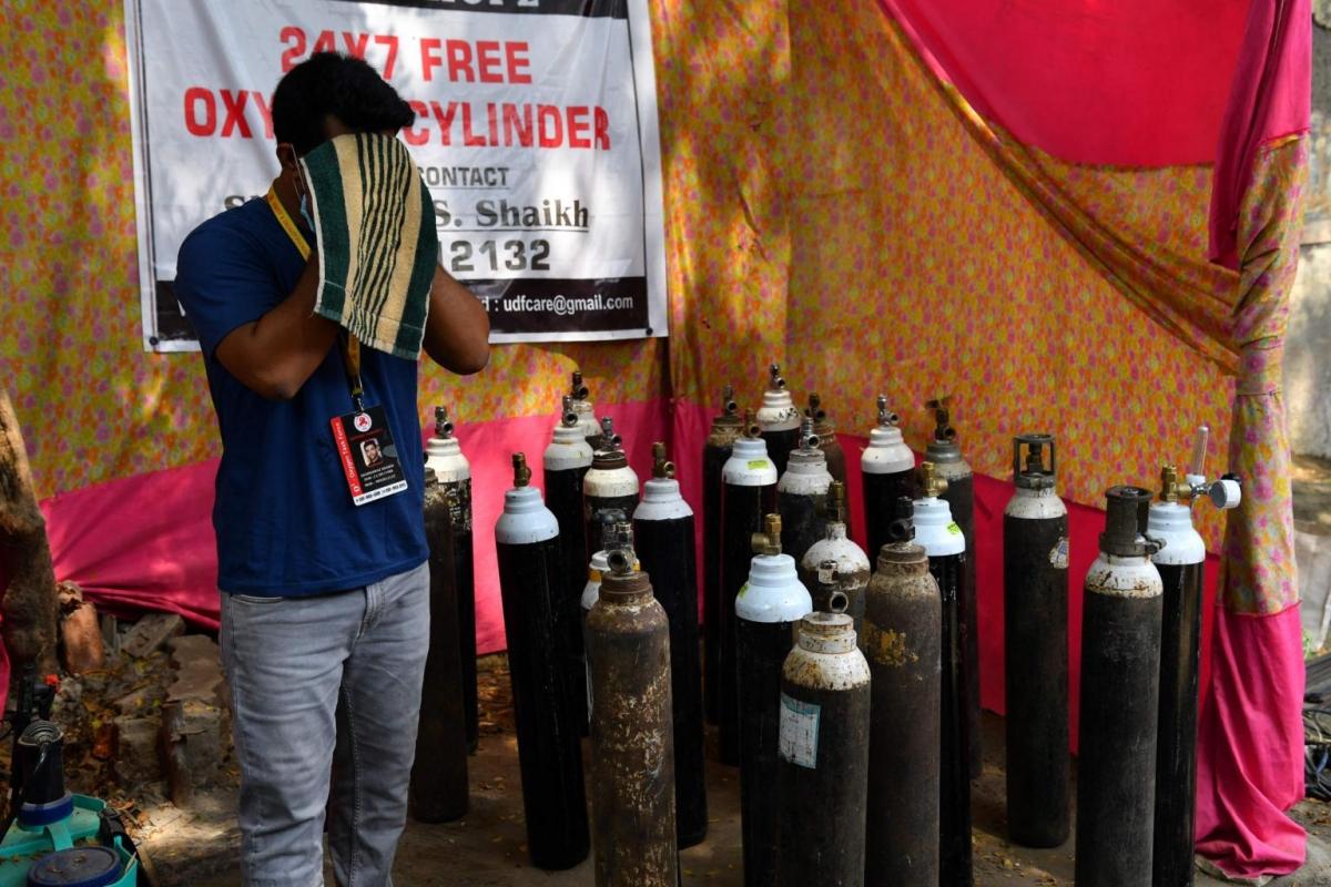 Những người Ấn Độ trẻ tuổi đã và đang tham gia vào nỗ lực chung chống dịch Covid-19. Ảnh: AFP.