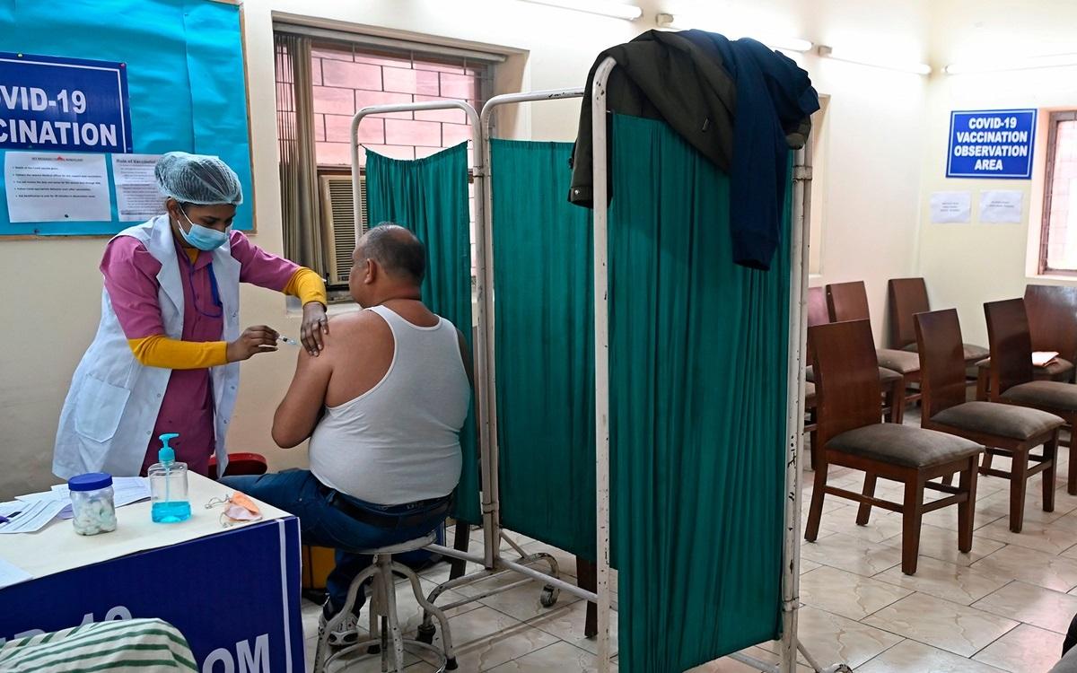 Một điểm tiêm vaccine Covid-19 ở Ấn Độ.