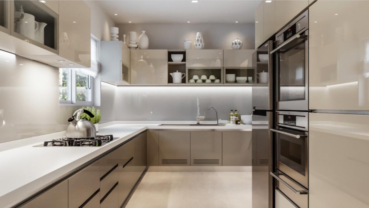 Căn bếp ở Hyderabad, Ấn Độ này thể hiện sở thích hiện đại của người Ấn Độ đối với không gian bếp ngày nay: Các bề mặt bóng láng, chất liệu nhân tạo cao cấp và gam màu trung tính. Các gia chủ Ấn Độ cũng mong muốn có một căn bếp liền và nhiều không gian lưu trữ. Căn bếp có sự tương phản giữa màu be, xám và trắng; Hệ thống chiếu sáng âm tường và gầm tủ nâng cao hiệu ứng của màu sắc. Cửa ra vào là polyme acrylic có thể đánh bóng lại và mặt bàn được làm bằng đá cẩm thạch nhân tạo dày 40 mm với cạnh vát.